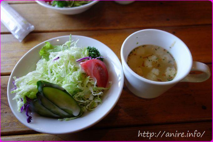 ランバーハウスセットのサラダとスープ