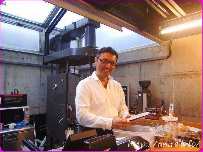菅井敏之さんカフェマスターの図