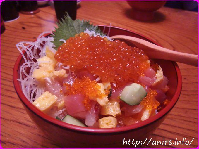 小田原魚河岸でんで海鮮丼